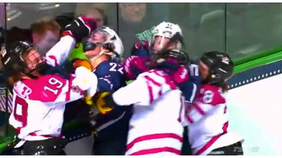 USA-Canada-hockey-fight-122113-youtube-FTRq