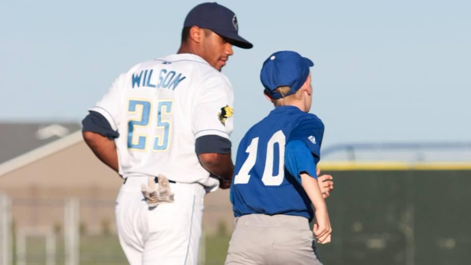 Russell-WIlson-sehawks-baseball-0122315-dustdevils-getty