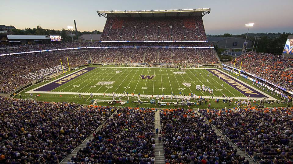 Husky Stadium Washington-090315-getty-ftr.jpg