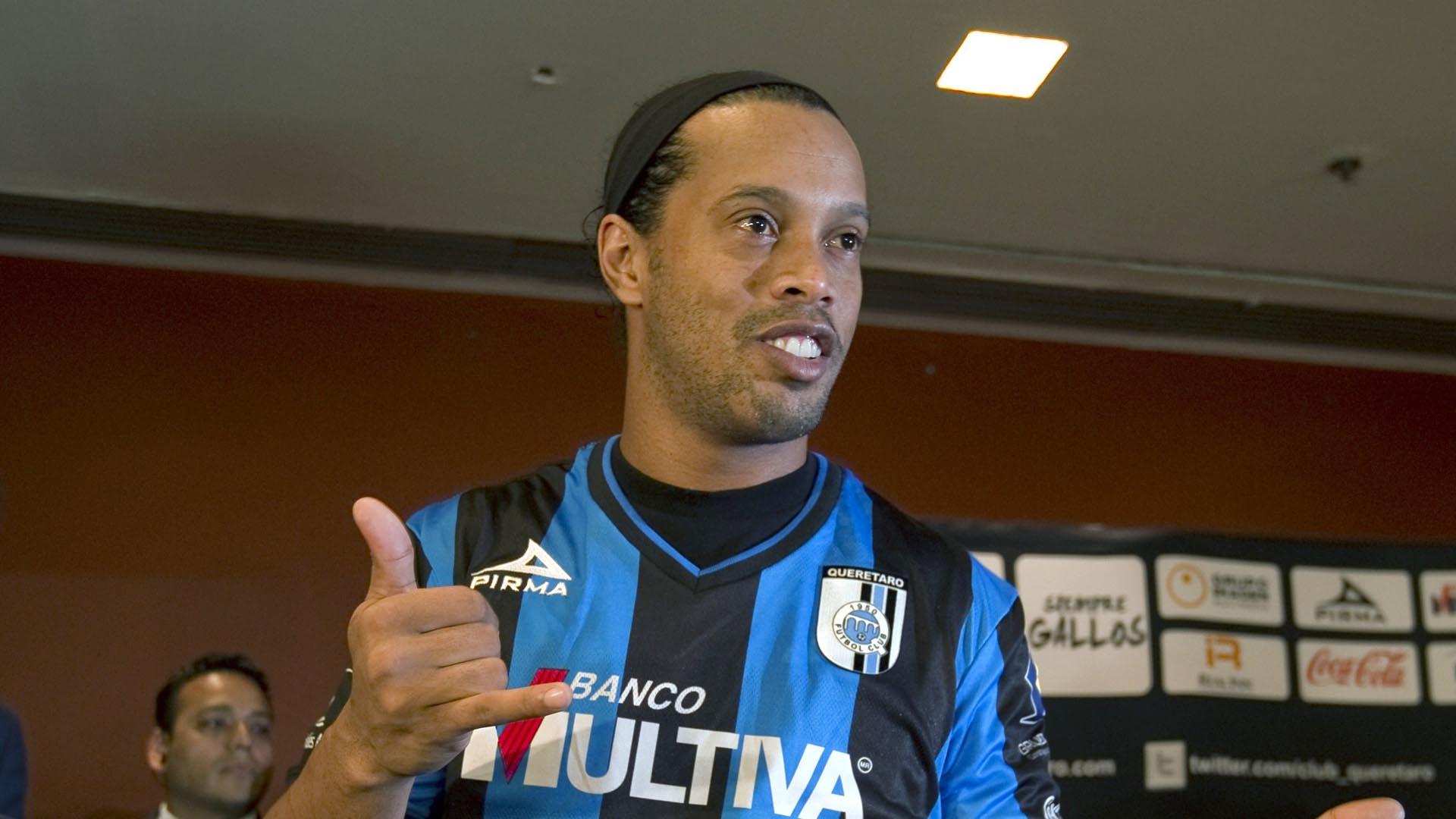 Ronaldinho-FTR-091214-getty.jpg