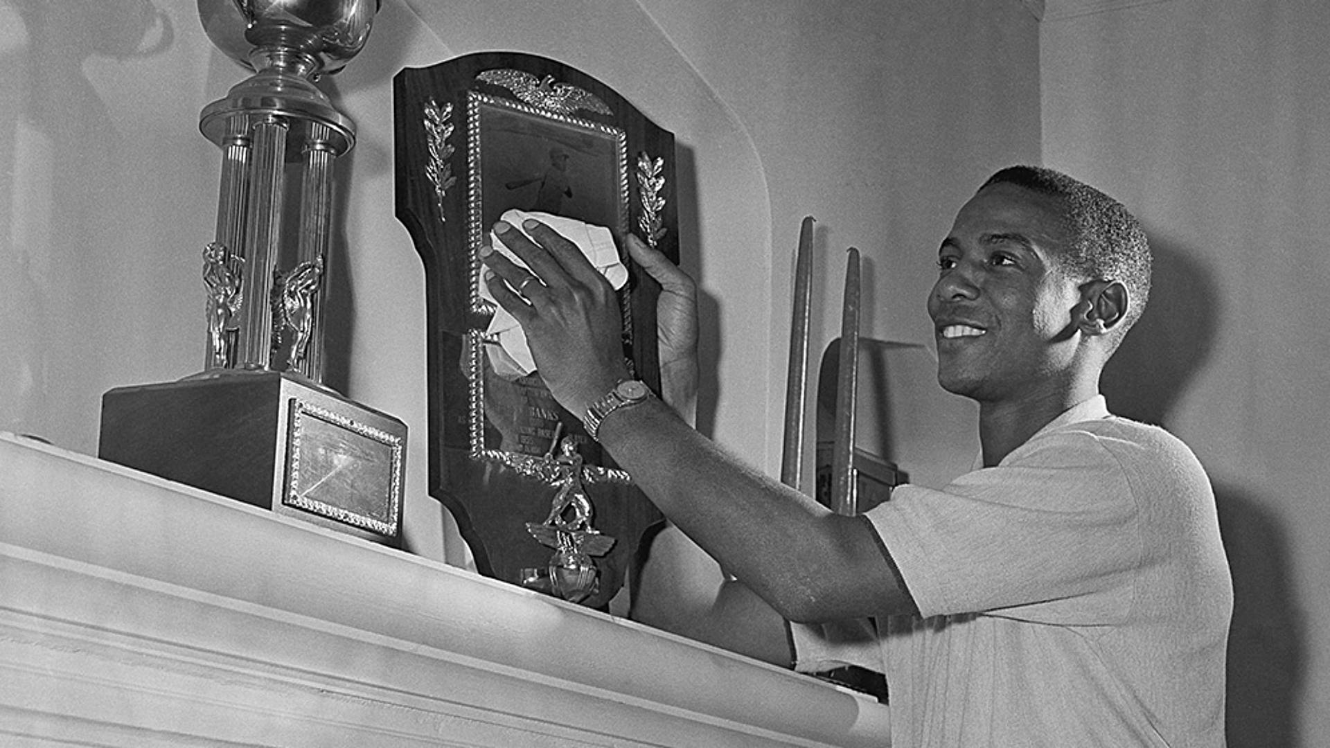 Ernie-Banks-MVP-AP-FTR.jpg