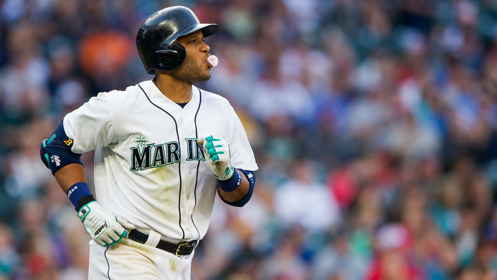 Hot August start has Mariners fans hoping for first ...