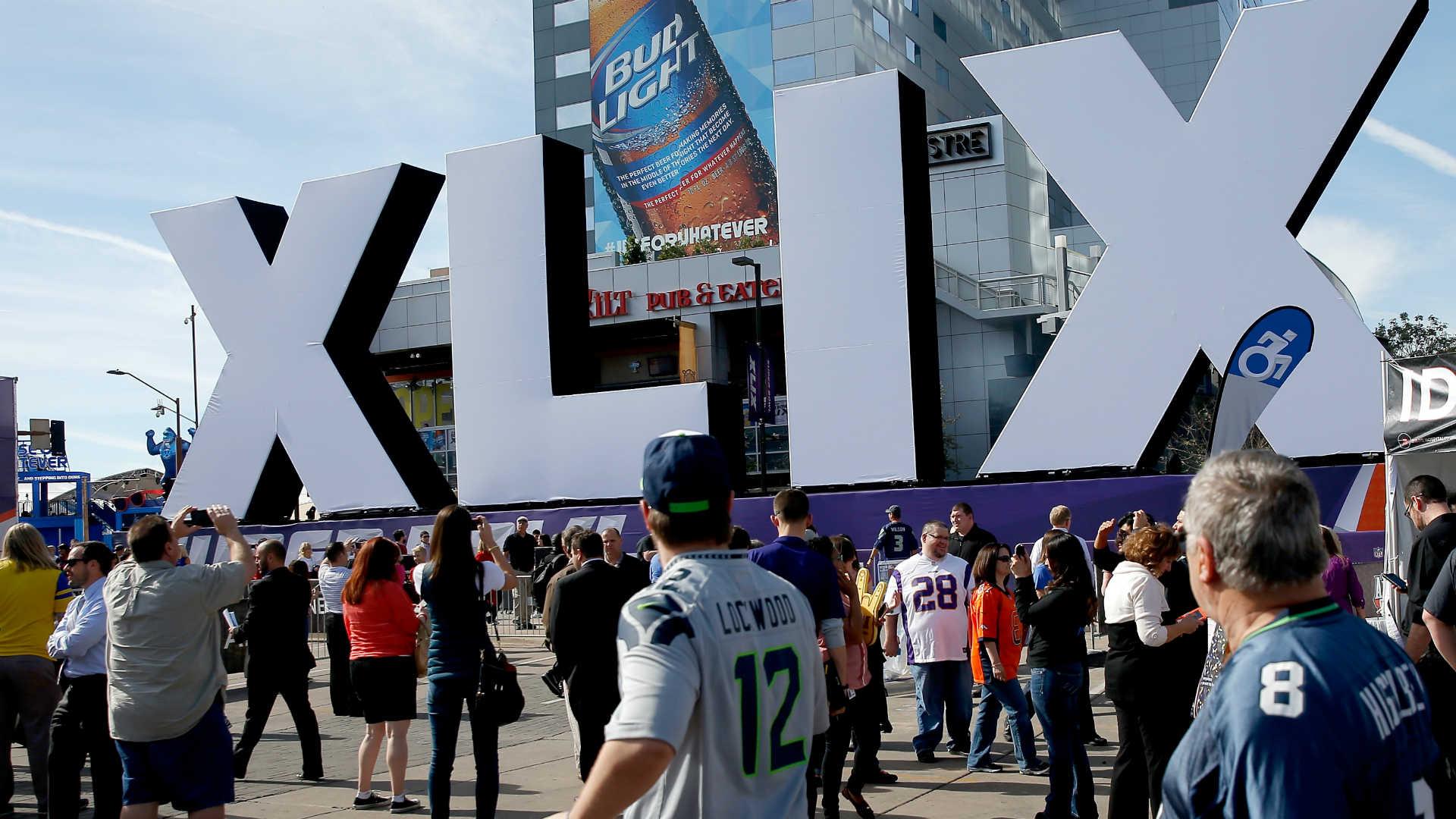 Super-Bowl-fans-013115-Getty-FTR.jpg