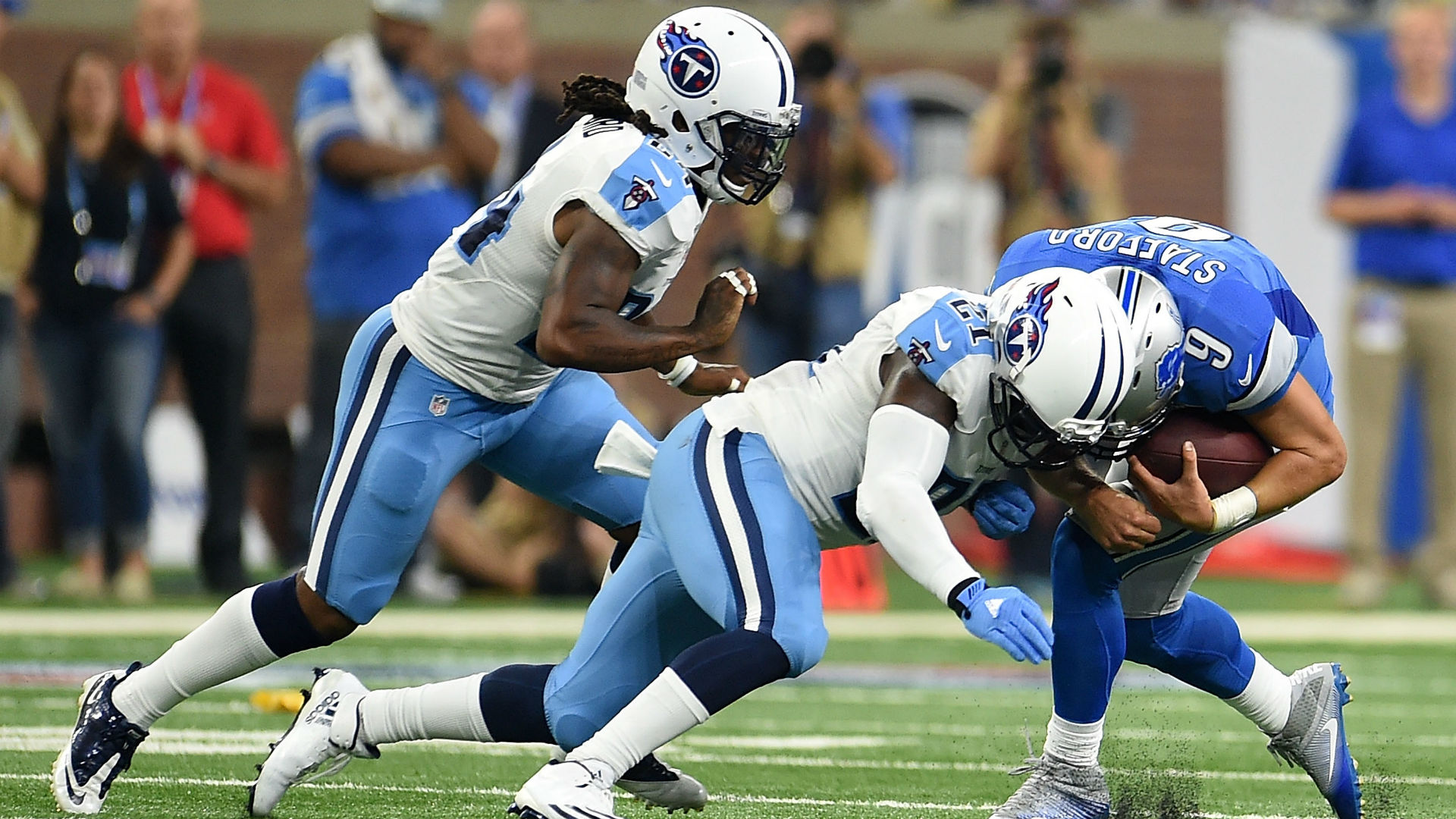 Titans rally late to beat Lions at Ford Field