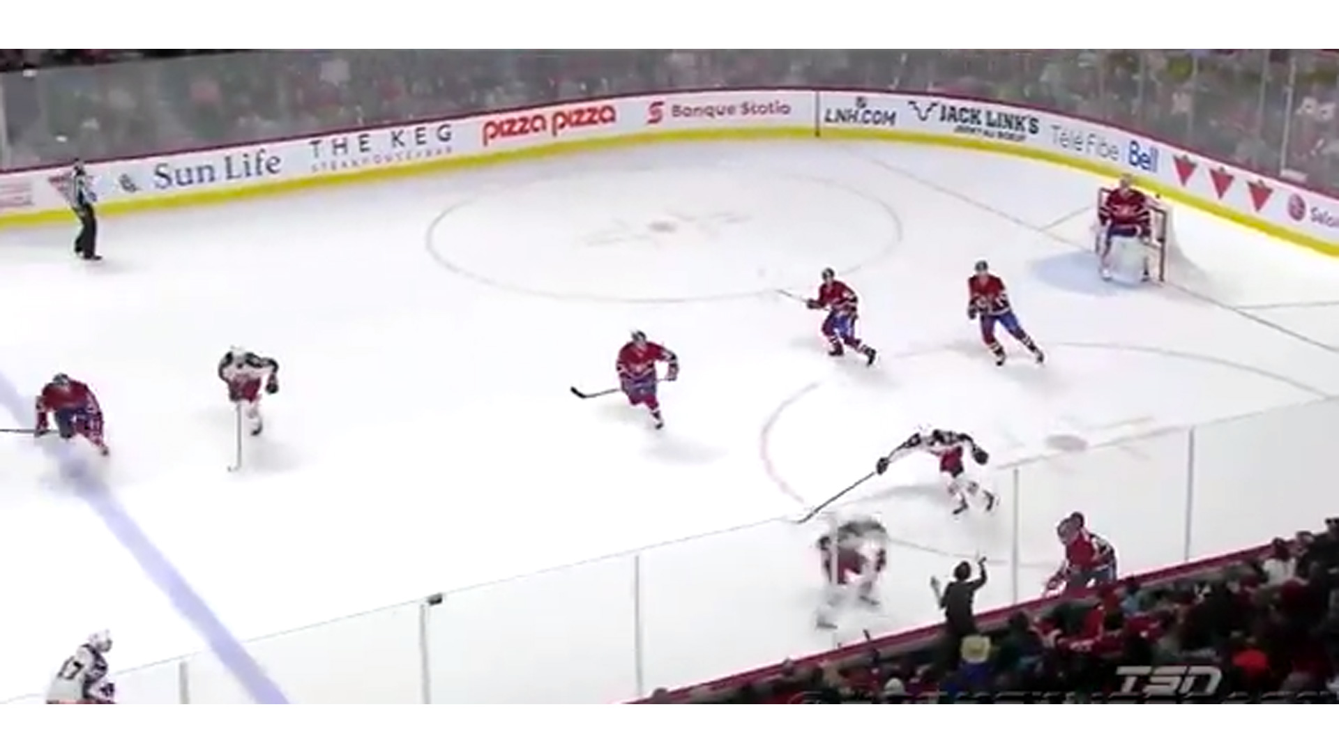montreal-canadiens-fan-032214-twitter-ftr