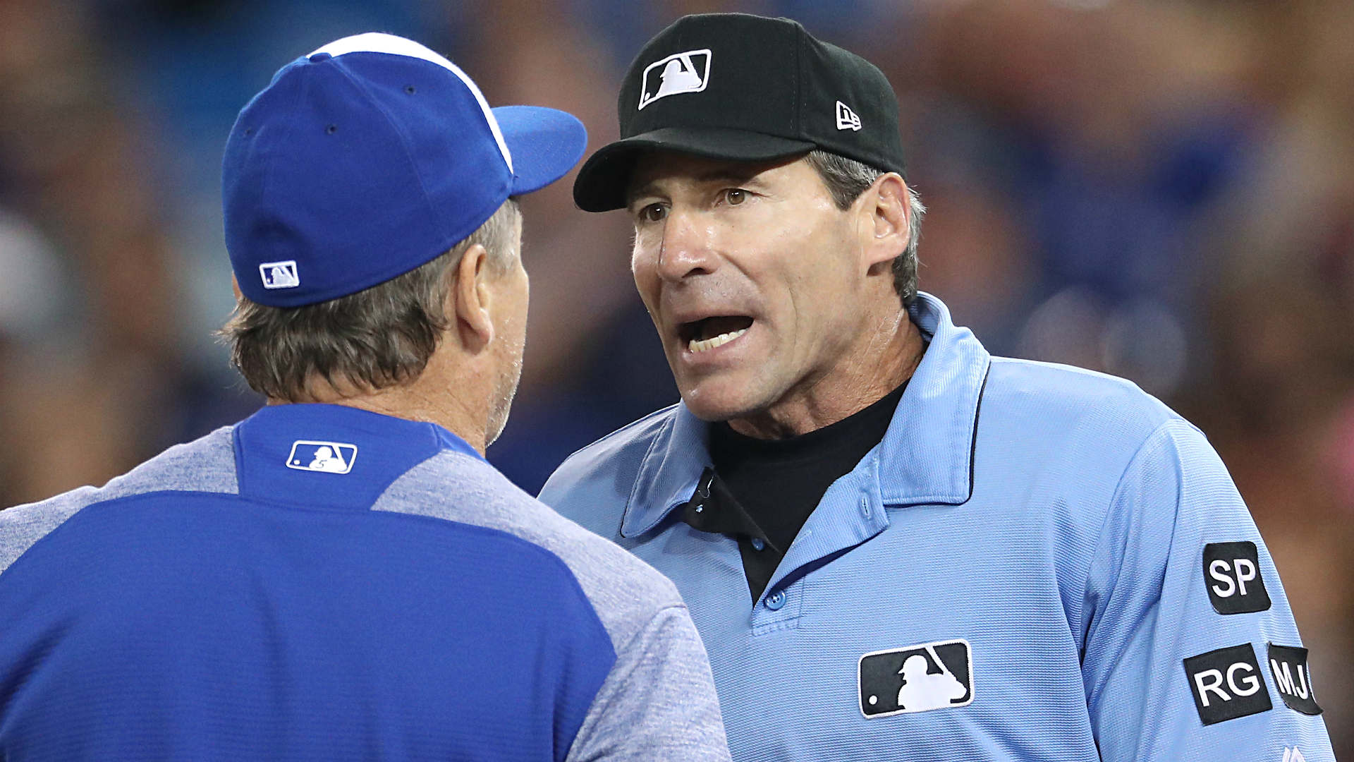 Umpire Angel Hernandez sues Major League Baseball over discrimination, treatment by Joe Torre