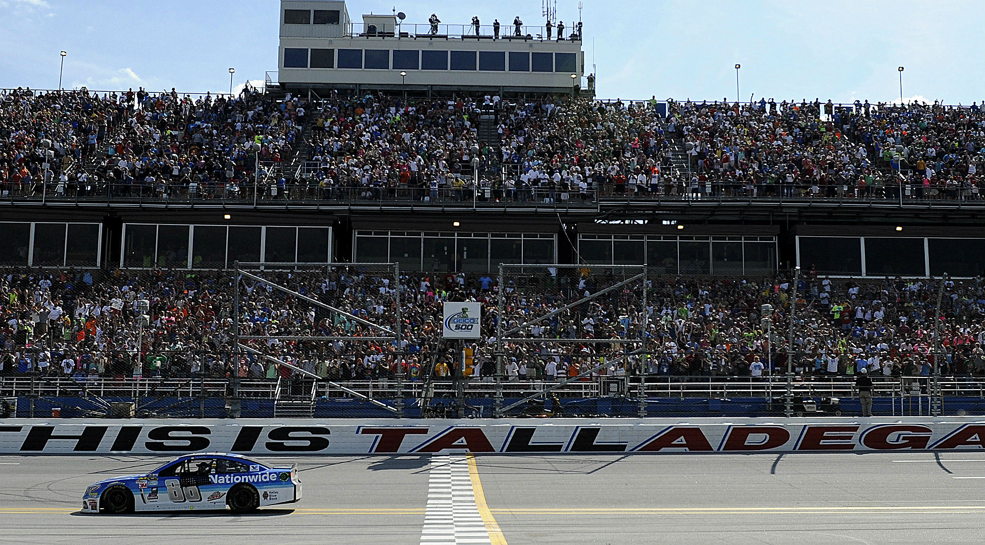 NASCAR odds and betting analysis – Dale Earnhardt Jr. favored at Talladega