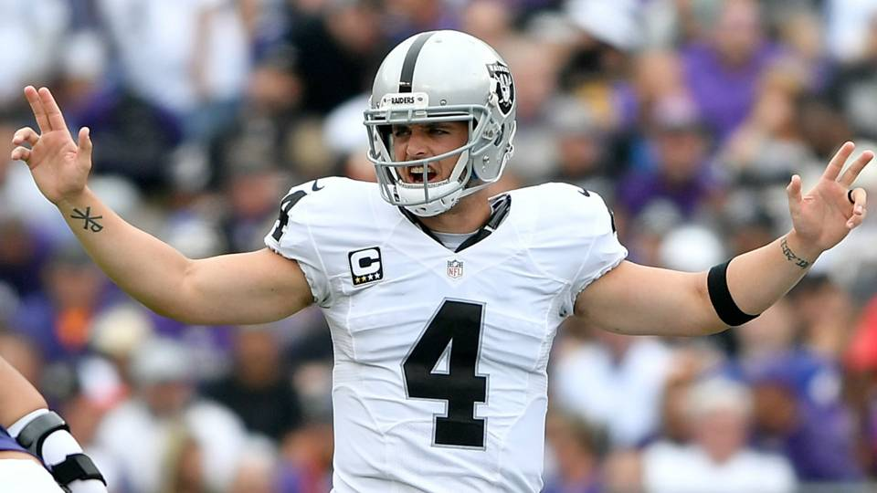 Raiders Derek Carr And Khalil Mack Traveled A Long Painful Road To Win In Baltimore