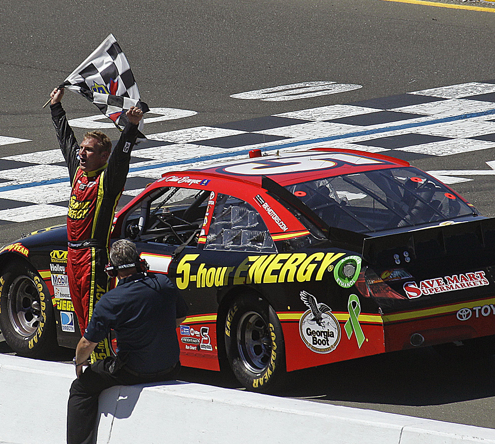 Clint Bowyer-061814-AP-DL.jpg