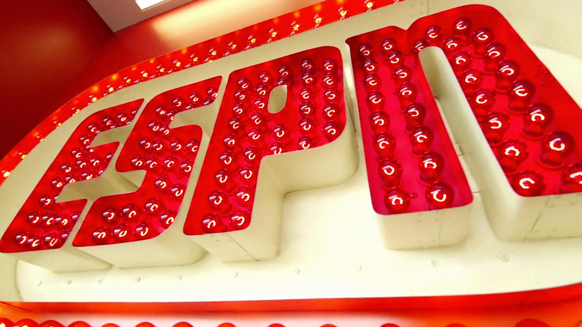2-ESPN-102015-ESPN-FTR.jpg