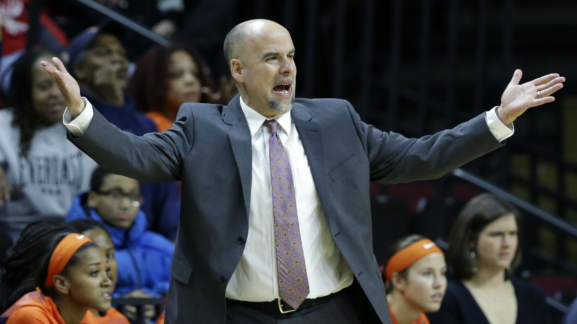 School-backed probe of Illinois women's basketball program finds no wrongdoing