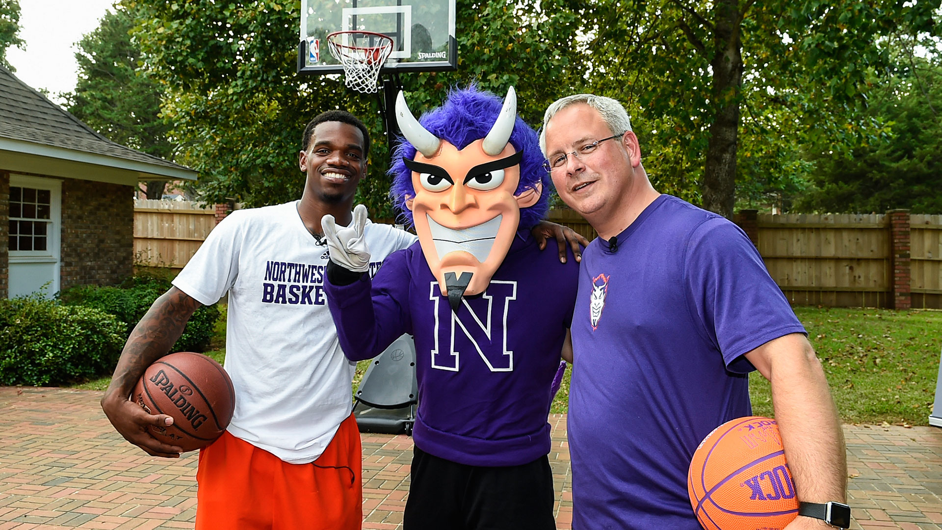 NSU star challenges school president to backyard hoops