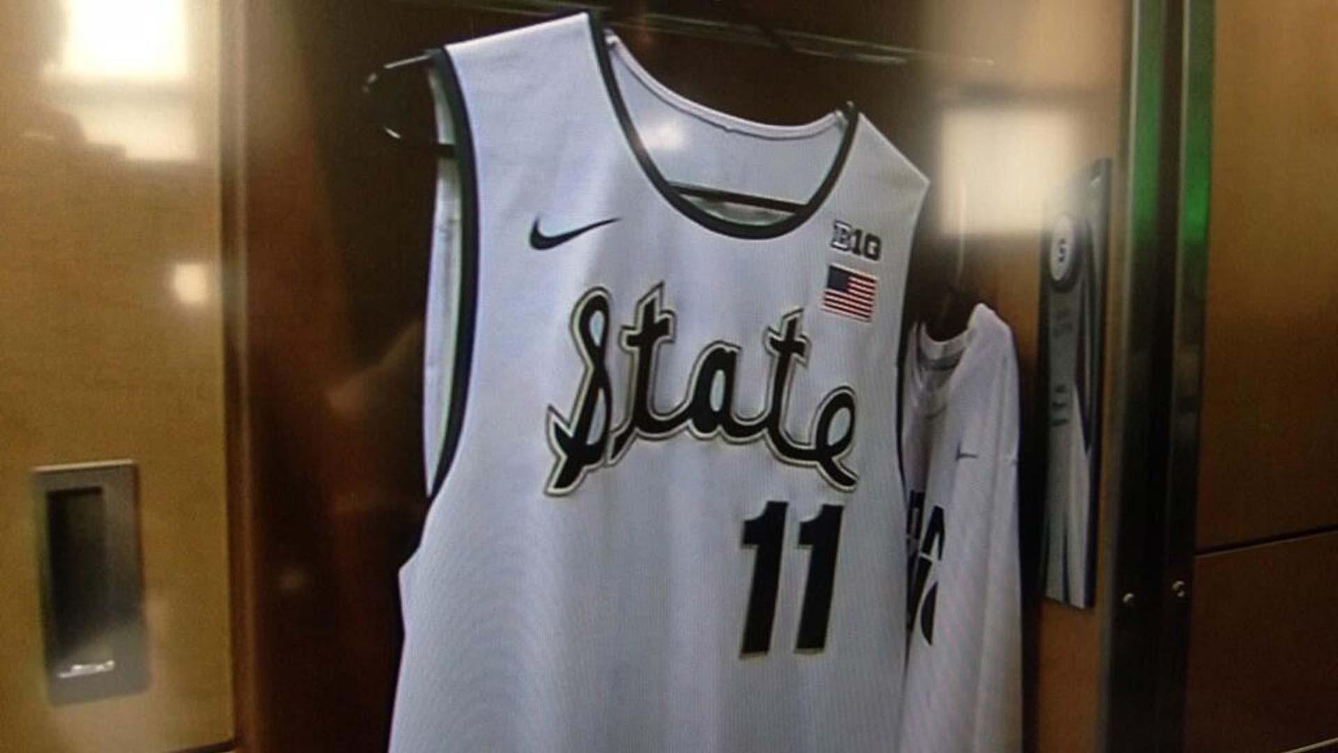 michigan-state-throwback-uniforms-12514-twitter-ftr
