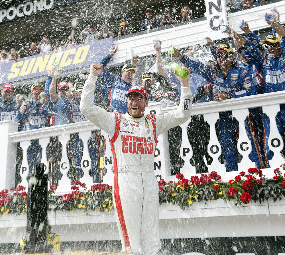 Dale Earnhardt Jr-060814-AP-DL.jpg