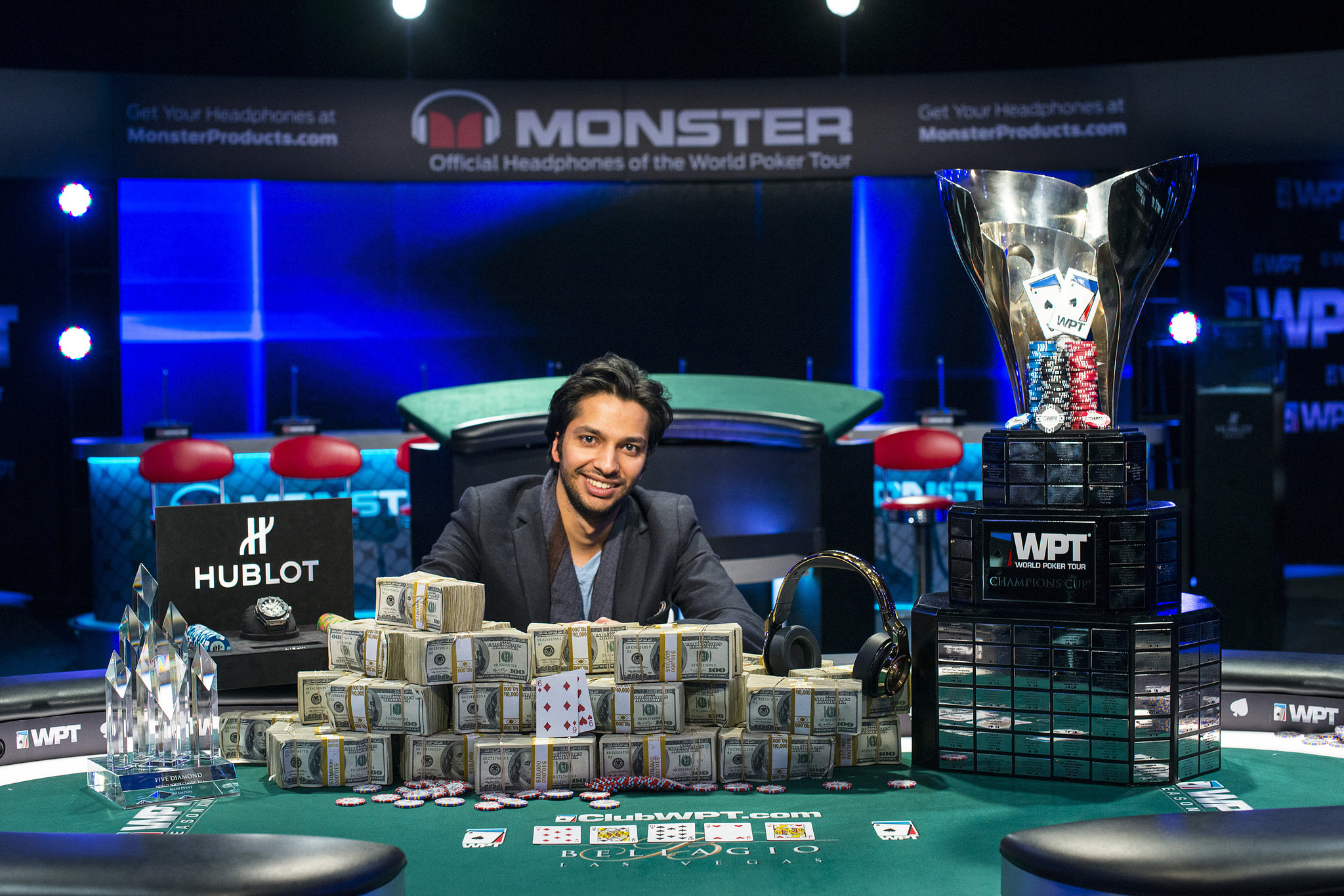 Vegas world poker tour giochi di poker texano gratis