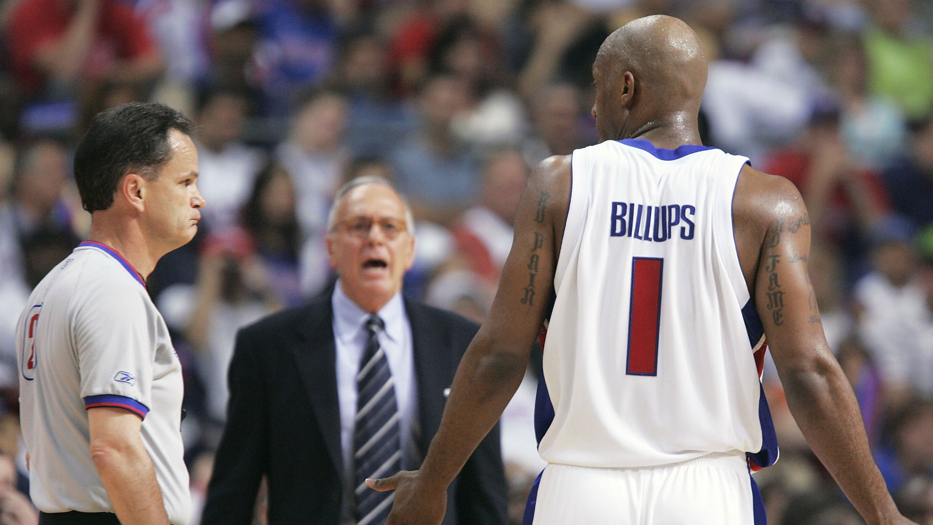 Chauncey Billups criticizes Larry Brown for negotiating with