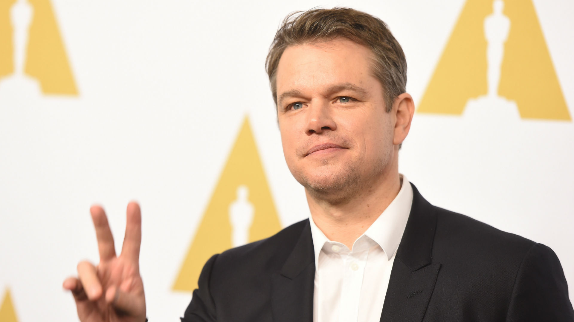 Matt Damon Dresses as Tom Brady and Sneaks Onto 'Jimmy Kimmel Live!'