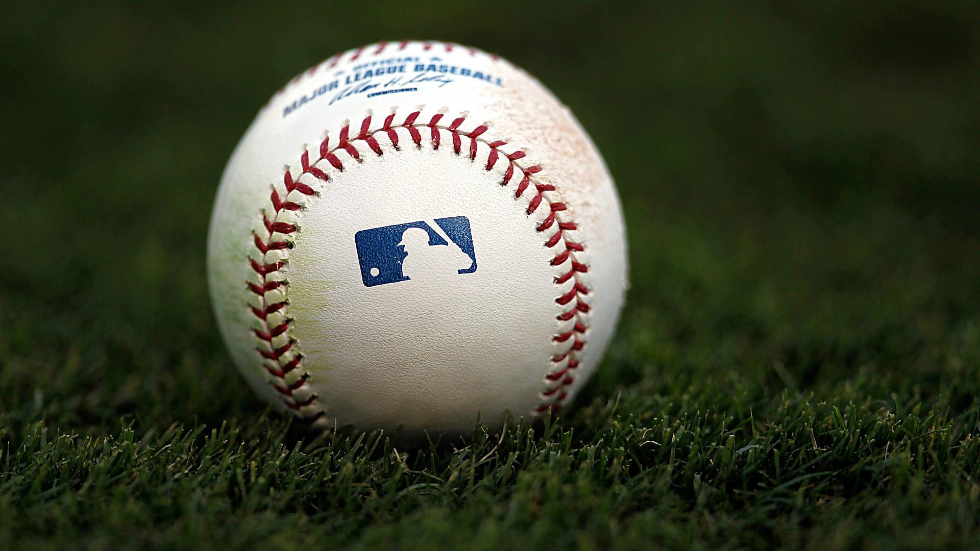 Baseball grass FTR Getty.jpg