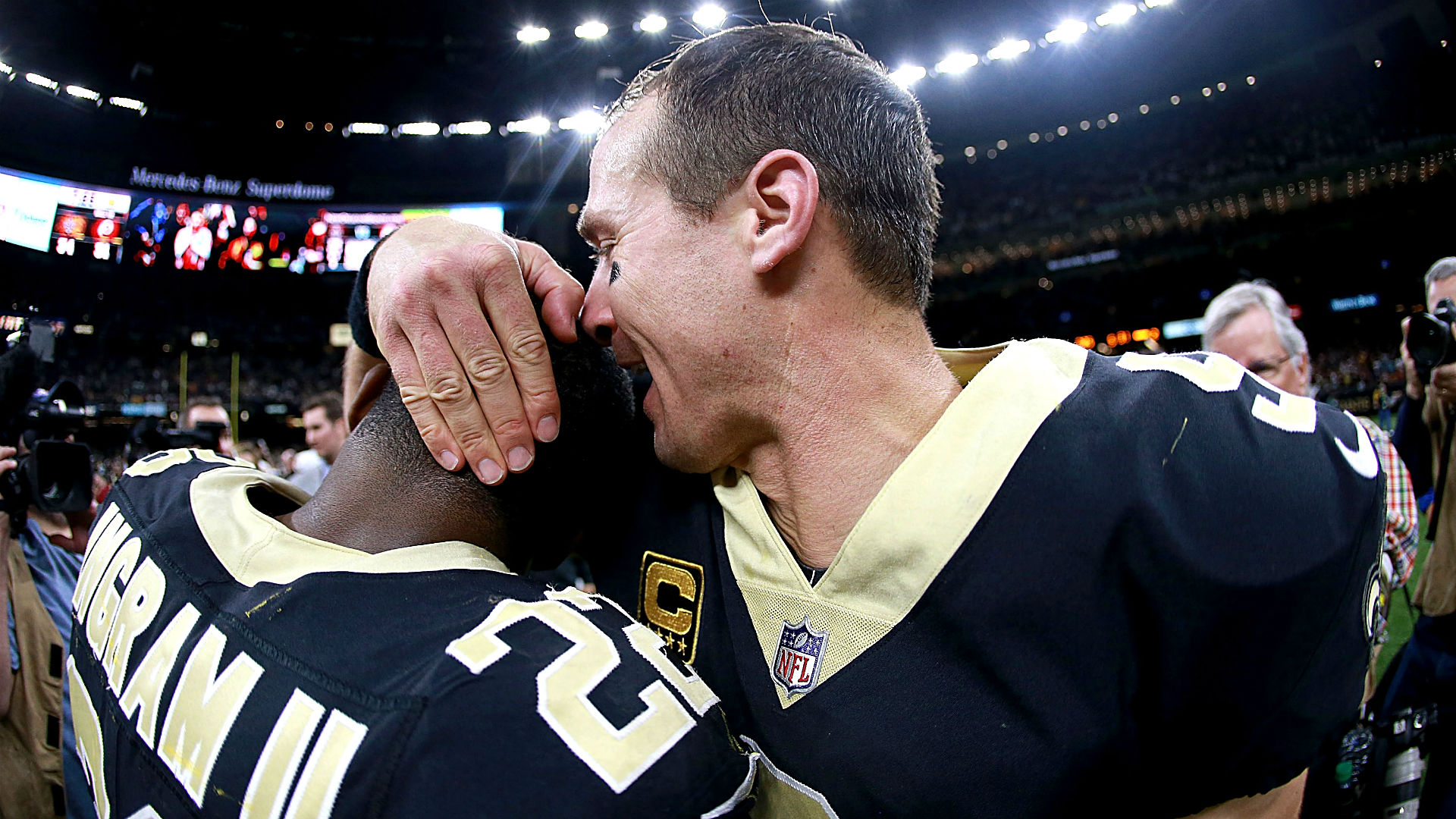 NFL Week 12 odds, predictions to make playoffs on road to ...