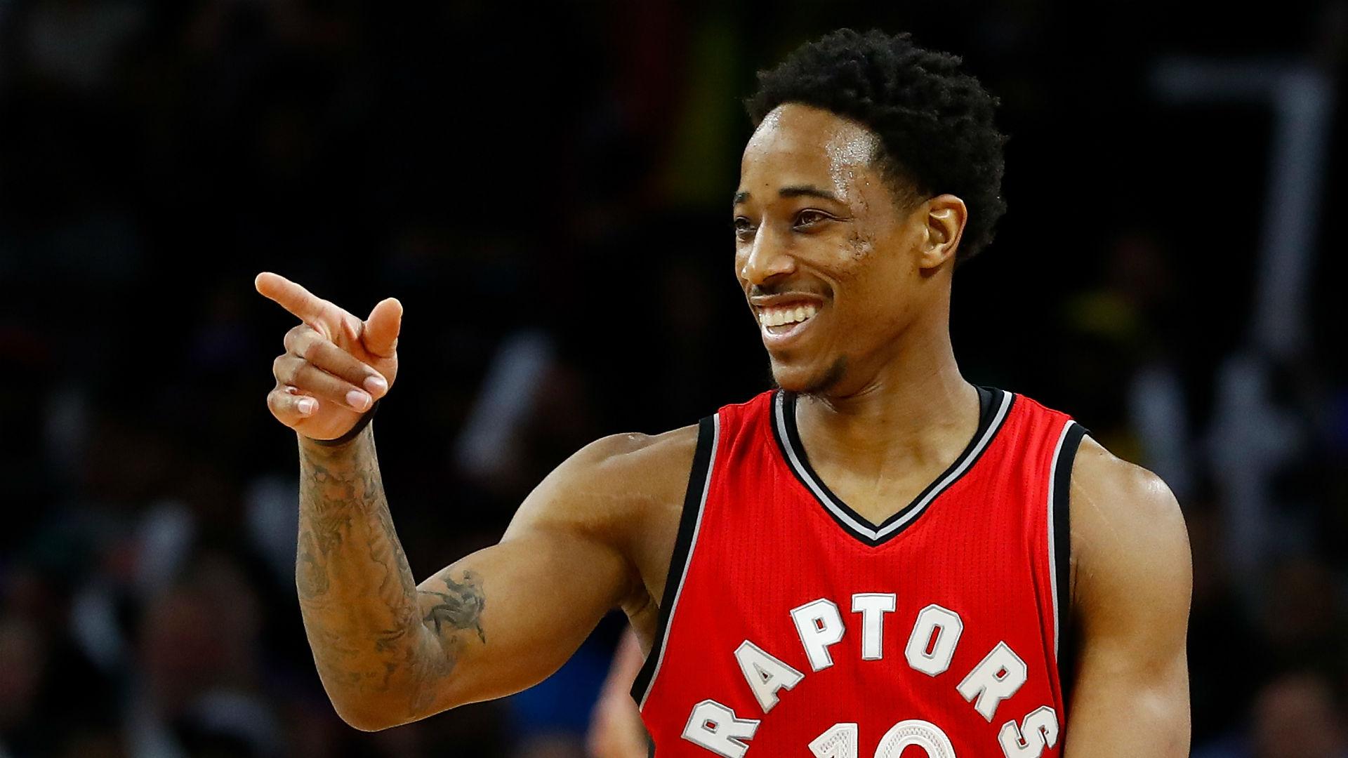 DeMar DeRozan scores franchise-record 52 in Raptors' win