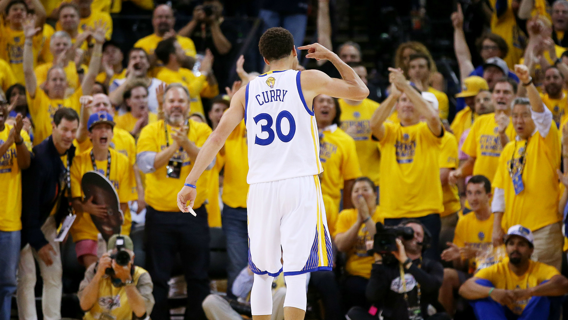 Stephen-Curry-Warriors-061915-Getty-FTR
