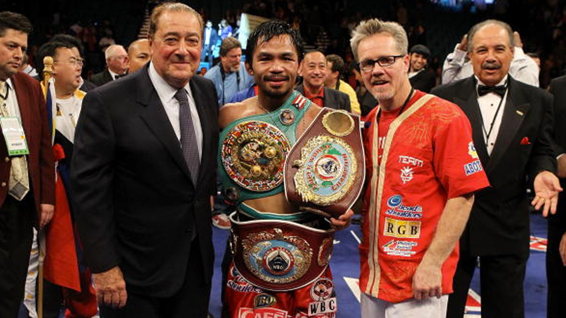 http://images.performgroup.com/di/library/sporting_news/c3/20/pacquiao-belts-042615-getty-ftr_1bt2x5xo6dtnj1gm70d8sw40lk.jpg?t=-145010380