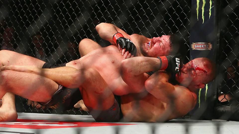 St-Pierre-Bisping-UFC-Getty-FTR-110417
