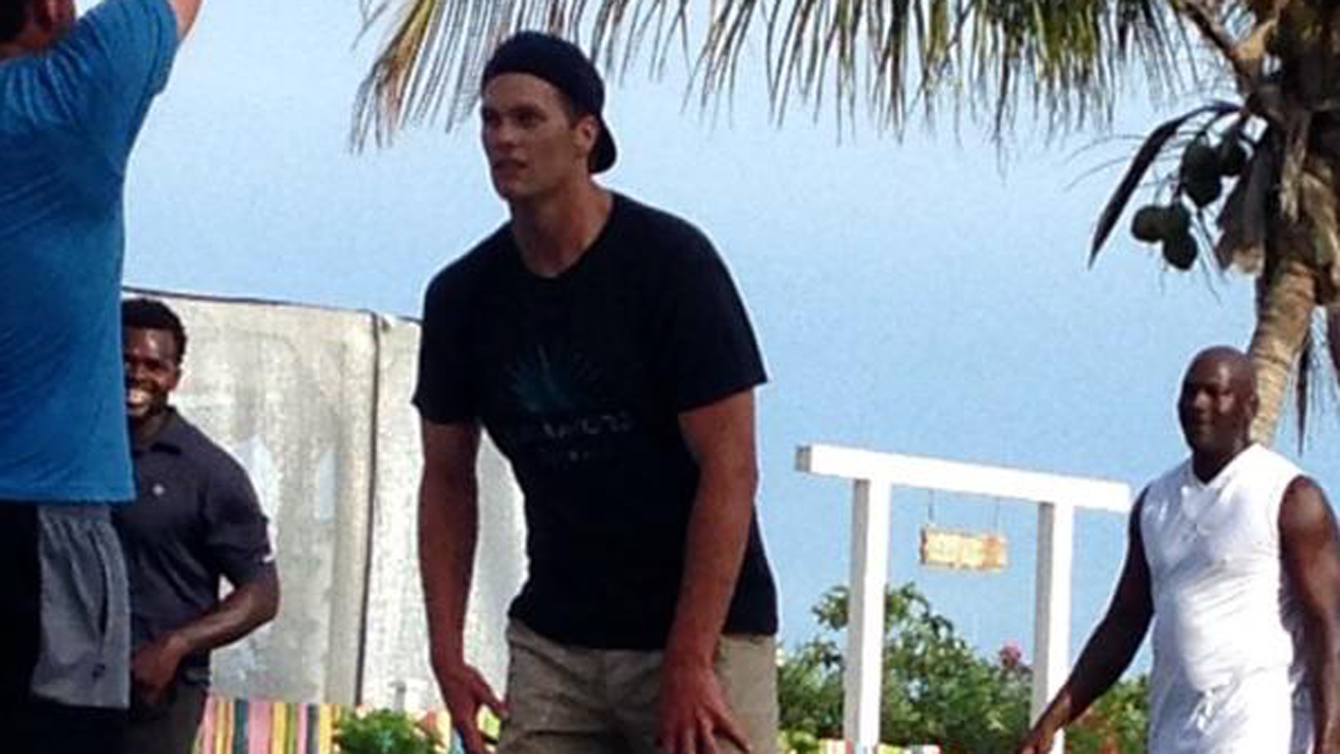 Michael Jordan and Tom Brady are just hanging out playing pickup in the Bahamas