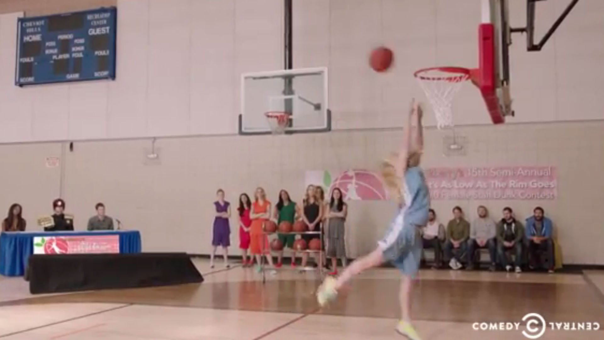 Tosh.0 hosts hilariously terrible girl dunk contest