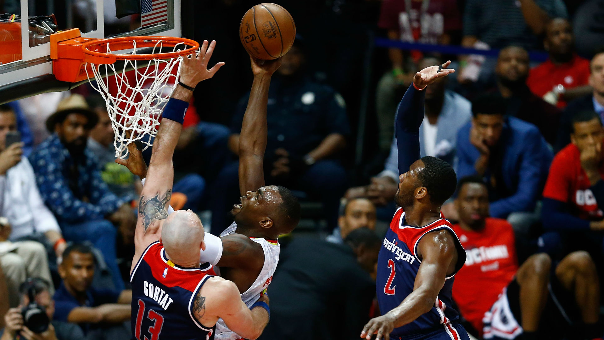 Hawks Handle Wizards in Game Four to Tie Series at 2-2