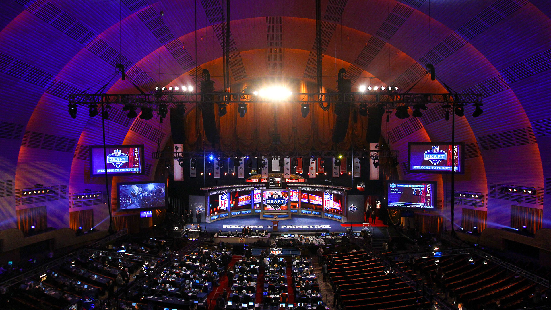 01-NFL-Draft-stage-043015-GETTY-FTR.jpg