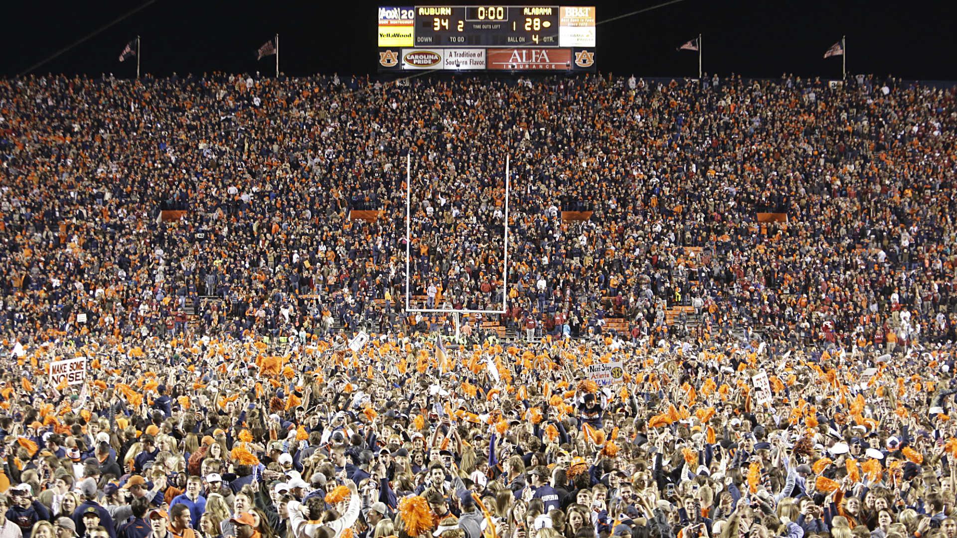 Auburn fans-122013-AP-FTR.jpg
