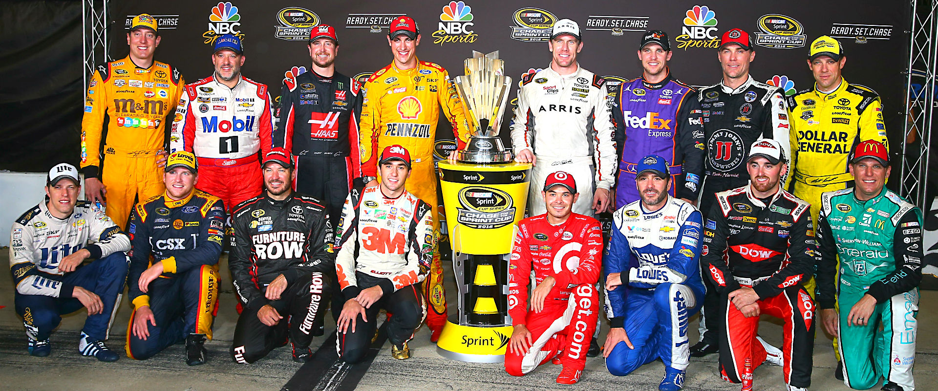rookie or former champion driver focus turns to chase for the sprint cup nascar sporting news. Black Bedroom Furniture Sets. Home Design Ideas