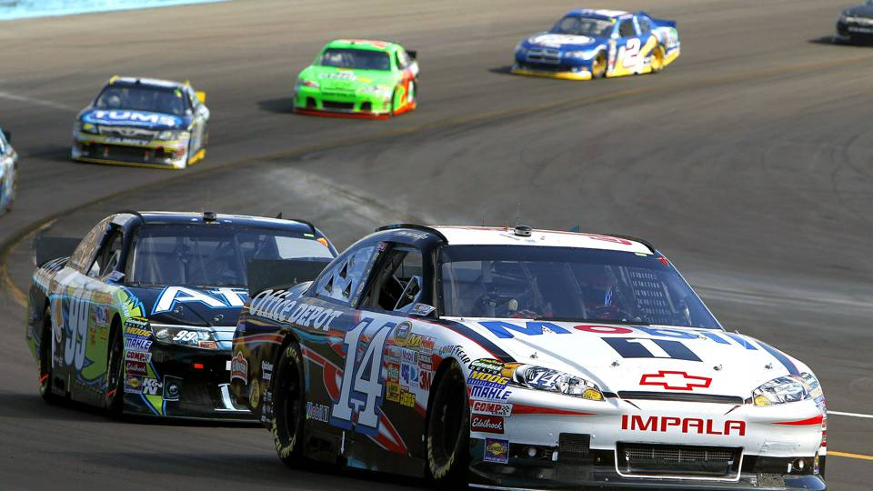 Tony Stewart-Carl Edwards-2011-AP-FTR.jpg