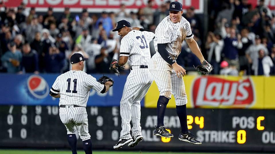 YankeesWildCardGame-Getty-FTR-100317.jpg