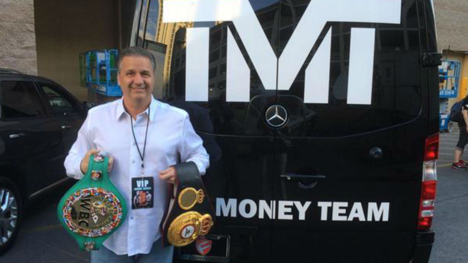 John Calipari is basically part of Floyd Mayweather's 'Money Team'