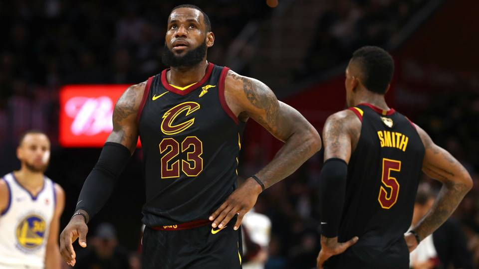 Lebron James Starts New Chapter With Lakers Leaving Cavs Haunted By