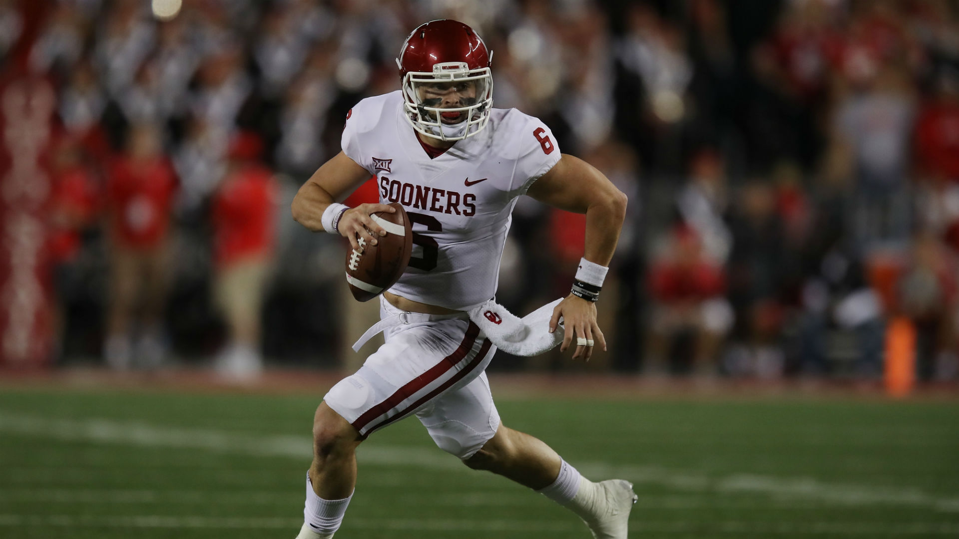 Davin Bellamy Explains Why He Yelled 'Humble Yourself' at Baker Mayfield