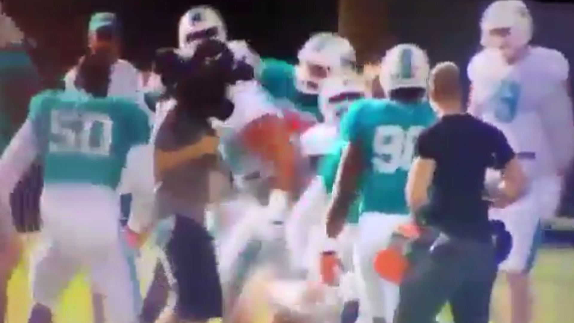 Watch Laremy Tunsil into fight at Dolphins camp