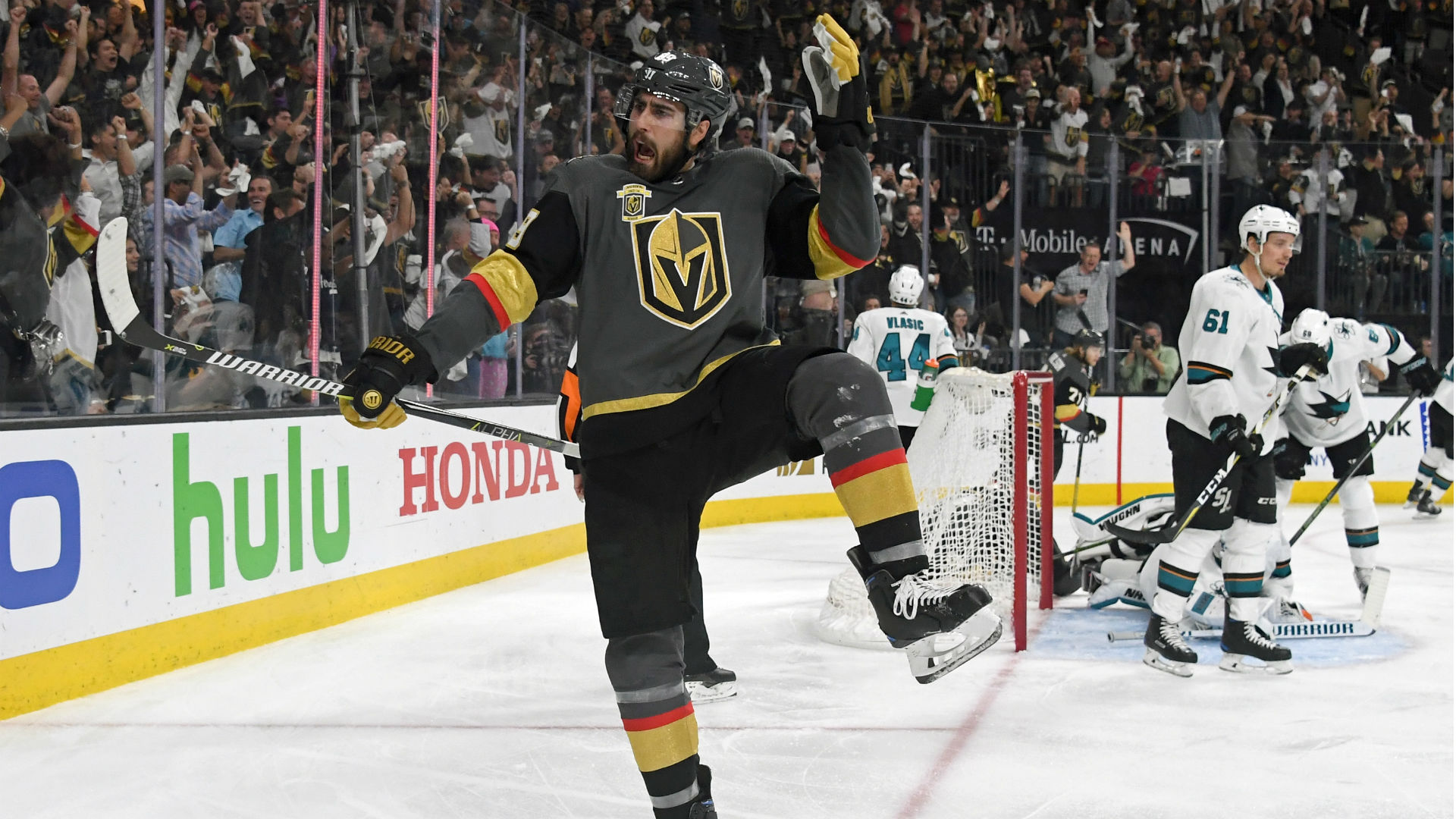 Golden Knights beat Sharks 5-3 in Game 5
