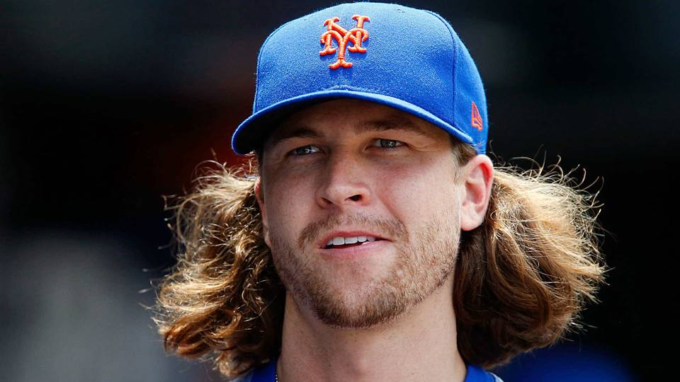 Mets' Jacob deGrom begins offseason with haircut