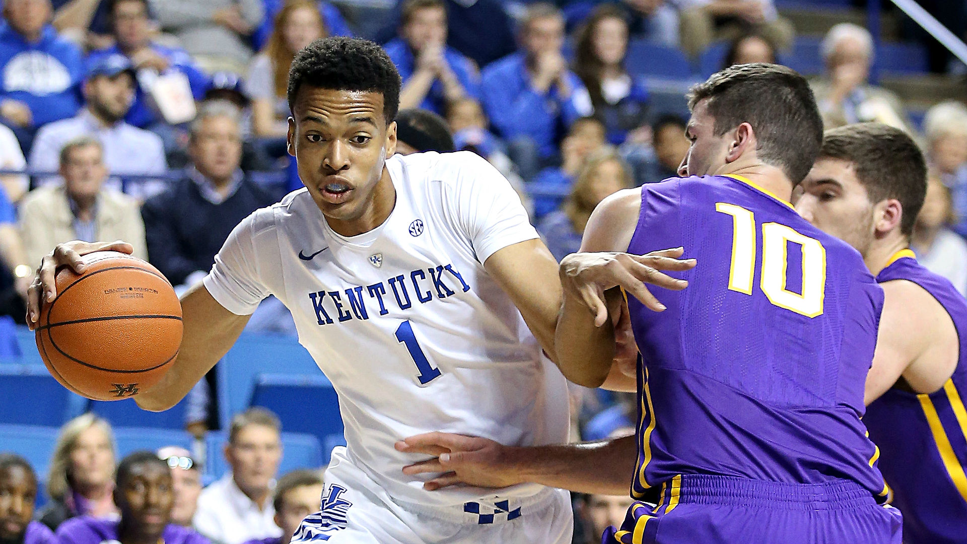 College basketball betting lines and picks - Kentucky, Kansas chalk in Champions Classic