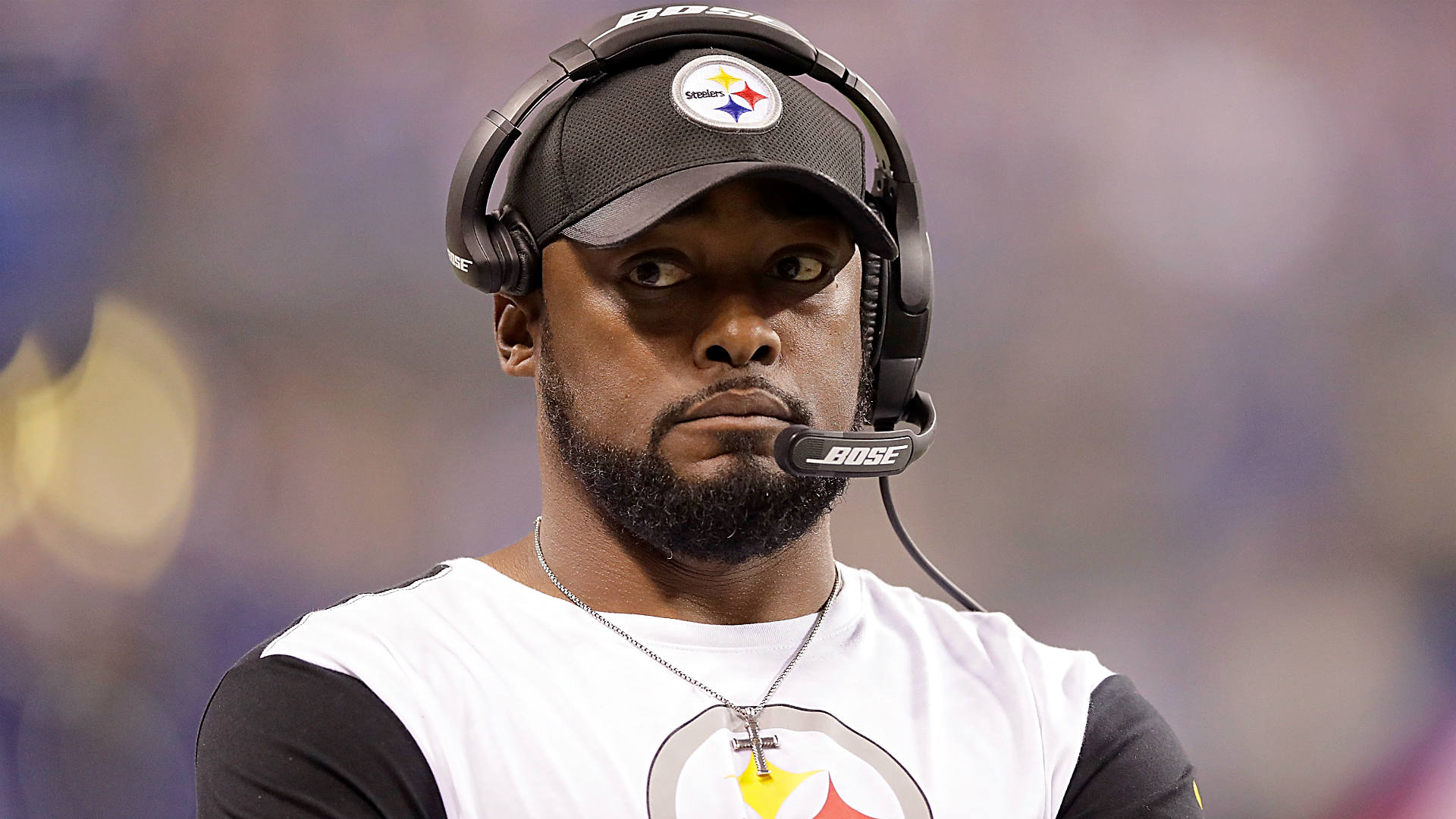 Steelers will remain in locker room for national anthem in Chicago, Mike Tomlin says
