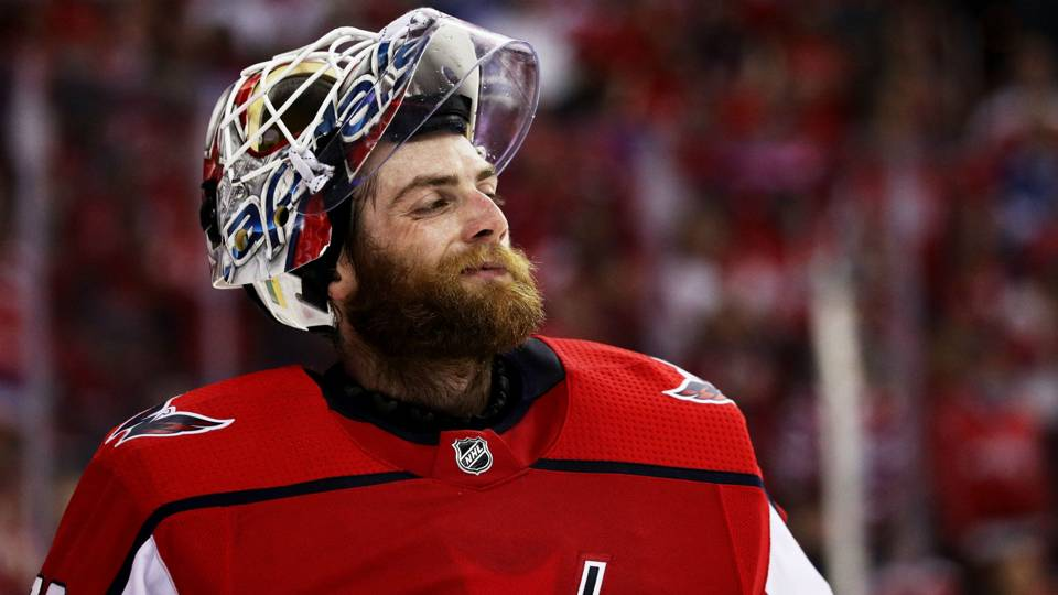 NHL playoffs 2018  Capitals  Braden Holtby makes 24 saves 277919cf308