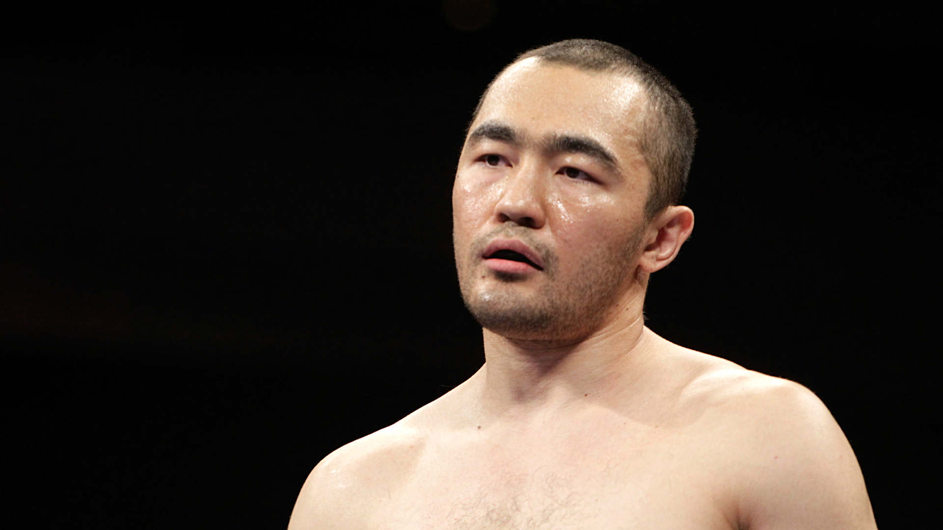 Shumenov dominates Altunkaya to claim vacant WBA Cruiserweight world title