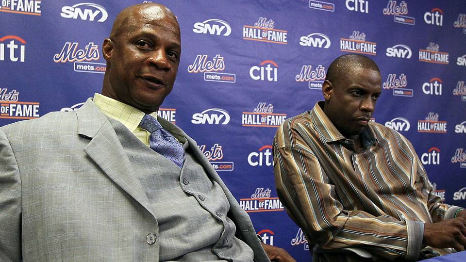 http://www.newsday.com/sports/baseball/mets/dwight-gooden-says-he-is-well-after-darryl-strawberry-expresses-concern-1.12203875