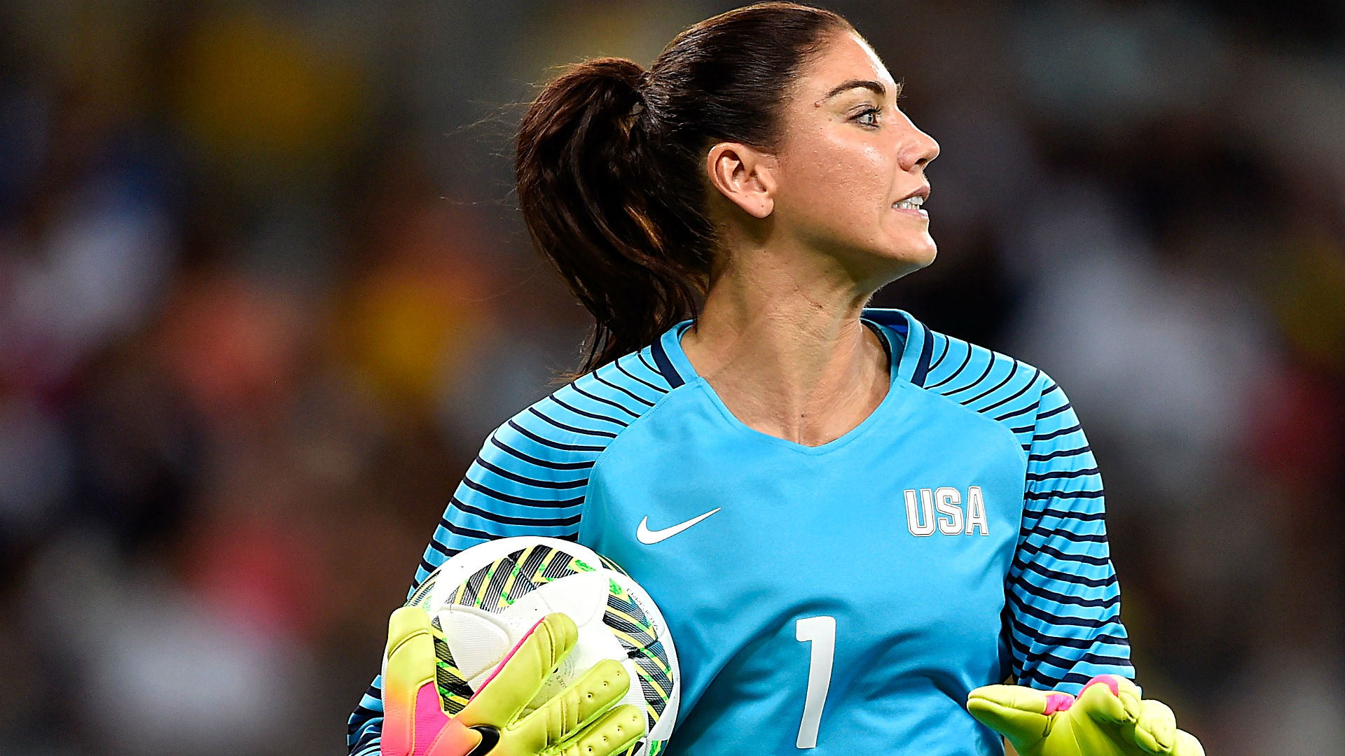 Hope Solo Gets Booed at Olympics After Controversial Zika Tweets