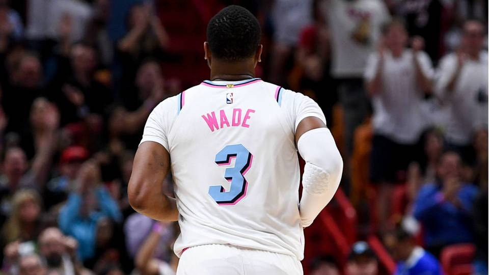 Dwyane wade receives warm welcome back in return to heat nba dwyane wade getty images voltagebd Images