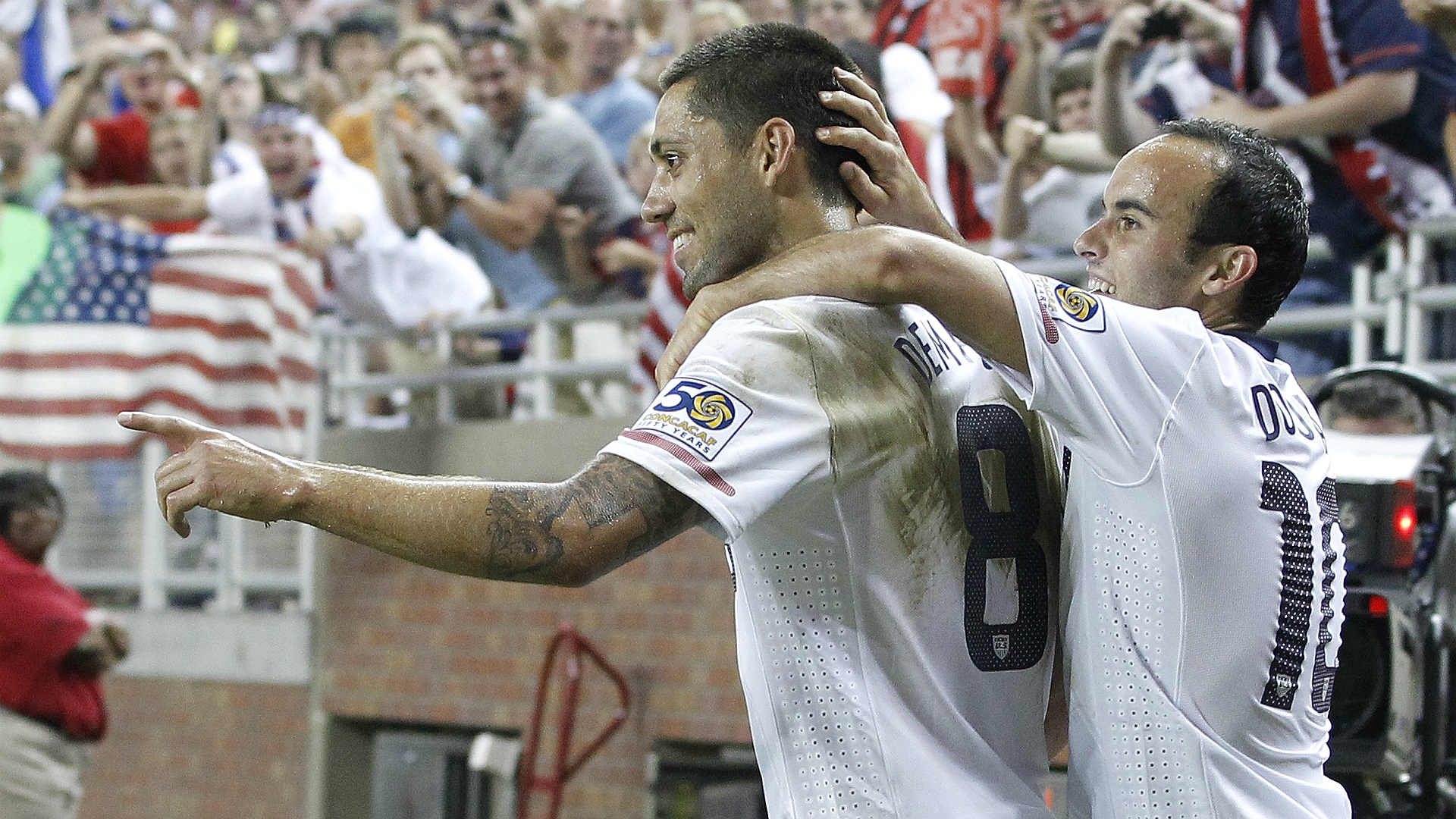 Clint Dempsey ties United States men's goal-scoring record