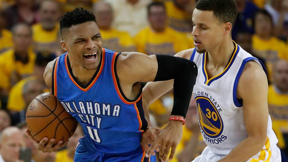 Russell-Westbrook-Stephen-Curry-Getty-FTR-092016